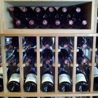 Foto tirada no(a) Girard Winery Tasting Room por Ken W. em 9/12/2012