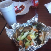 Foto diambil di Gyro & Kabab House oleh David B. pada 5/3/2012