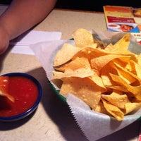 Foto tomada en La Parrilla Mexican Restaurant por Edwin D. el 6/30/2012
