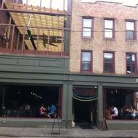 Foto scattata a Local Bar + Kitchen da Jim M. il 5/27/2012