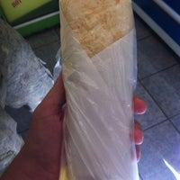 Foto scattata a Hot Burrito da Nick V. il 9/3/2012