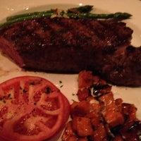 Foto tomada en III Forks Restaurant por Bruce M. el 4/22/2012
