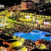 7/13/2012にLeon V.がUshuaïa Ibiza Beach Hotelで撮った写真