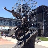 Das Foto wurde bei Harley-Davidson Museum von Michael C. am 5/13/2012 aufgenommen