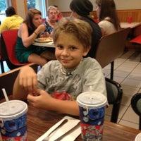 รูปภาพถ่ายที่ Rocco's Pizza & Italian Restaurant โดย Jeff C. เมื่อ 8/3/2012
