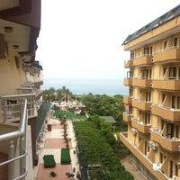 Foto scattata a Galeri Resort Hotel da Valeria il 5/14/2012