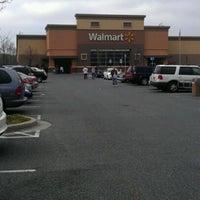 3/31/2012 tarihinde LaMont'e B.ziyaretçi tarafından Walmart'de çekilen fotoğraf