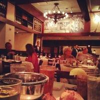 6/15/2012 tarihinde Harry Z.ziyaretçi tarafından Joe's Seafood, Prime Steak & Stone Crab'de çekilen fotoğraf