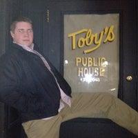 Photo prise au Toby's Public House II par Casey H. le2/19/2012