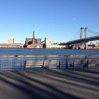 4/6/2012 tarihinde Laura B.ziyaretçi tarafından East River Park'de çekilen fotoğraf