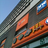 รูปภาพถ่ายที่ Metrópoli Patriotismo โดย Julio cesar L. เมื่อ 3/22/2012