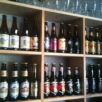 Foto scattata a The Beer Company da Eduardo I. S. il 9/7/2012