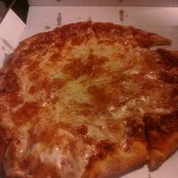Foto tomada en Balistreri Brothers Pizza por Joe M. el 4/21/2012