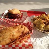 Das Foto wurde bei Pinky's Kitchen von Andrew J. am 7/26/2012 aufgenommen