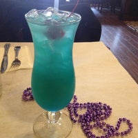 3/25/2012 tarihinde Neesie B.ziyaretçi tarafından Bourbon Street Restaurant and Catering'de çekilen fotoğraf