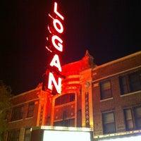 Das Foto wurde bei Logan Theatre von Erik W. am 5/23/2012 aufgenommen
