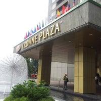 Foto tomada en Crowne Plaza por Max V. el 6/20/2012