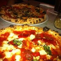รูปภาพถ่ายที่ Settebello Pizzeria โดย Tuni G. เมื่อ 4/13/2012