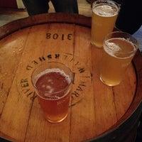 Foto tirada no(a) Harts Pub por Chad R. em 4/20/2012
