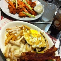 Photo prise au Crosstown Diner par Jay C. le6/1/2012