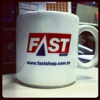 Foto tirada no(a) Fast Shop por Sebastiao C. em 2/20/2012