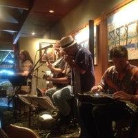Foto tirada no(a) Irregardless Cafe por Janet K. em 8/19/2012