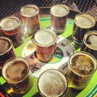 Снимок сделан в Laurelwood Public House & Brewery пользователем Kristina L. 8/24/2012