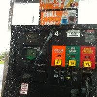 Das Foto wurde bei 7-Eleven von Walt am 7/21/2012 aufgenommen