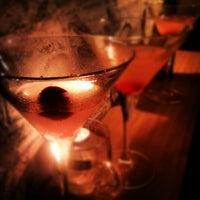 9/6/2012 tarihinde Hendy O.ziyaretçi tarafından Grandma's Bar'de çekilen fotoğraf