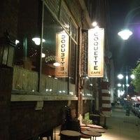 Foto tirada no(a) Coquette Cafe por Tamara D. em 8/4/2012