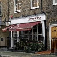 Das Foto wurde bei Satay House von Madir M. am 2/19/2012 aufgenommen