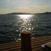 8/19/2012 tarihinde Fatih M.ziyaretçi tarafından Erine Beach Club'de çekilen fotoğraf