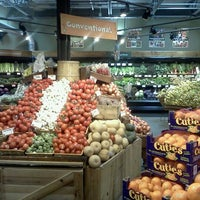 Снимок сделан в City Market (Onion River Co-op) пользователем Marcella C. 3/3/2012