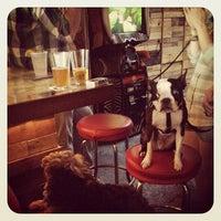 รูปภาพถ่ายที่ Pine Box Rock Shop โดย Mary-Majella O. เมื่อ 6/17/2012