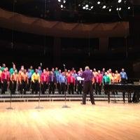 Снимок сделан в Boettcher Concert Hall пользователем Edward L. 7/8/2012