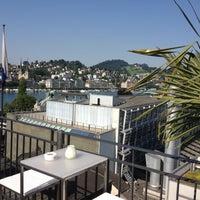 Foto scattata a Lounge & Bar suite da Christoph L. il 7/24/2012