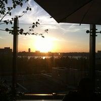 Снимок сделан в STK Rooftop пользователем Dani B. 6/18/2012