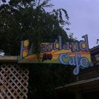 รูปภาพถ่ายที่ Heartland Café โดย @steveGOgreen เมื่อ 6/16/2012