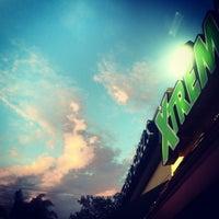 7/14/2012 tarihinde Roy L.ziyaretçi tarafından Xtreme Juice'de çekilen fotoğraf