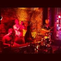 Снимок сделан в The Big Easy Raleigh пользователем Sora C. 5/26/2012