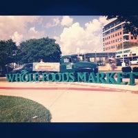 รูปภาพถ่ายที่ Coffee Bar @ Whole Foods Market โดย Emily D. เมื่อ 9/3/2012