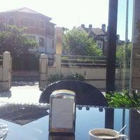 5/13/2012 tarihinde Oscar B.ziyaretçi tarafından Restaurante MiGaea'de çekilen fotoğraf