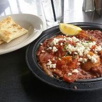 Снимок сделан в Acropolis Greek Taverna пользователем Cowbell K. 4/14/2012