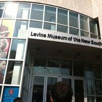 Foto diambil di Levine Museum of the New South oleh Aubrey K. pada 3/30/2012