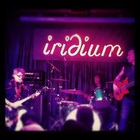 Das Foto wurde bei The Iridium von Cathryn K. am 6/14/2012 aufgenommen