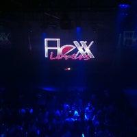 Foto tirada no(a) Flexx Club por Rodolfo B. em 7/29/2012