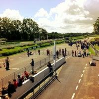 Foto scattata a Goodwood Motor Racing Circuit da John K. il 7/8/2012