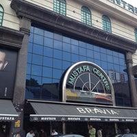 Das Foto wurde bei Mustafa Centre von Ali B. am 5/1/2012 aufgenommen