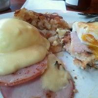 4/22/2012にMarlowe L.がIgloo Cafeで撮った写真