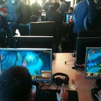 Снимок сделан в SP Gaming Net Station - Coffee SPot пользователем Nikos S. 3/17/2012